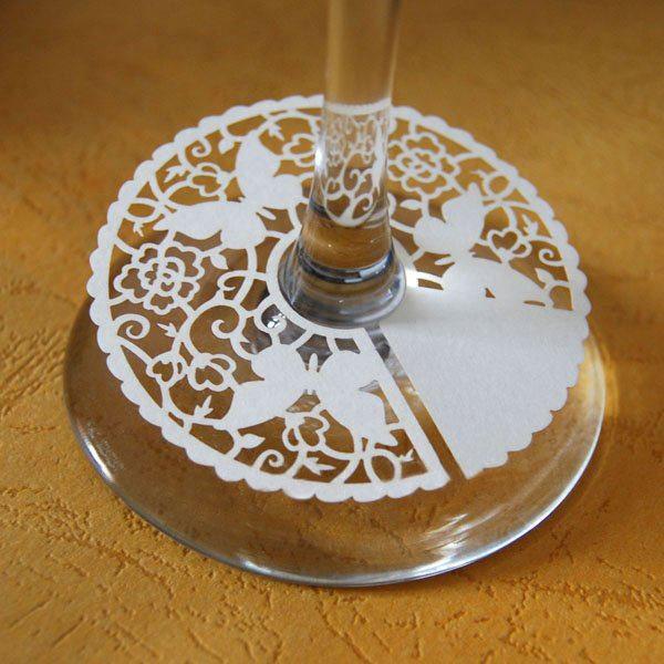 Ażurowa ozdoba weselnego kieliszka -  Motylki